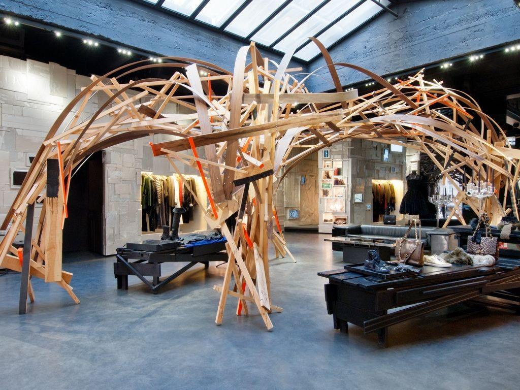 Concept-stores, Merci, Bergdorf Goodman, The Goodhood Store, LNFA, L'eclaireur, Celine, E- Nous, Yves Saint Laurent, Galeries Lafayette